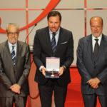 La Seminci recibe el Premio Castilla y León 2016 de manos del presidente de la comunidad
