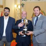 El VRAC, campeón de la Supercopa, visita la Diputación y el Ayuntamiento